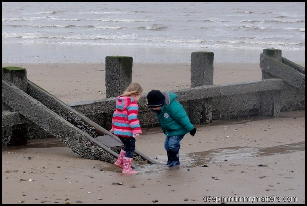 029/366 – First trip to the seaside for 2012!