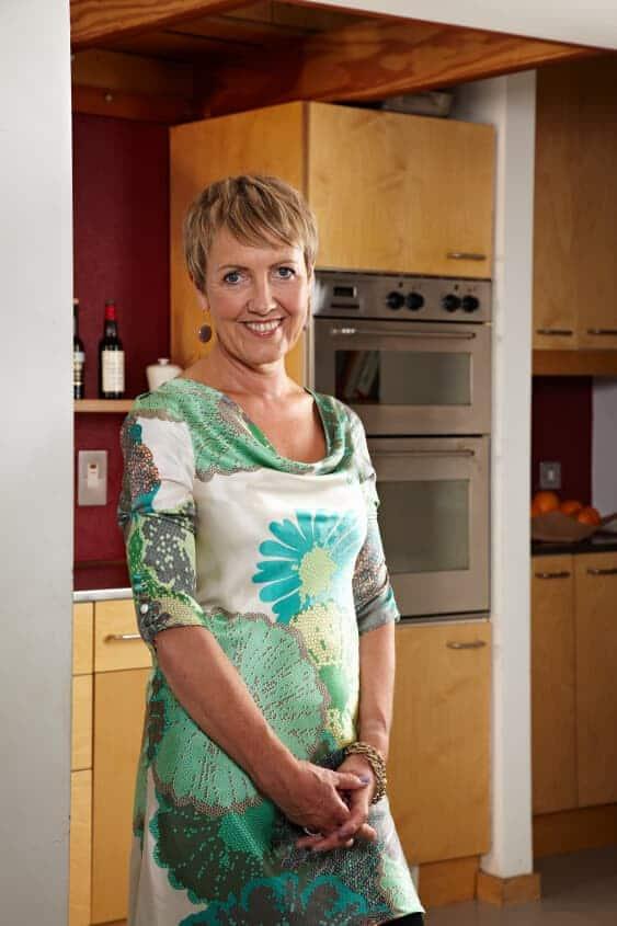 Modern mums still bearing the brunt of household chores