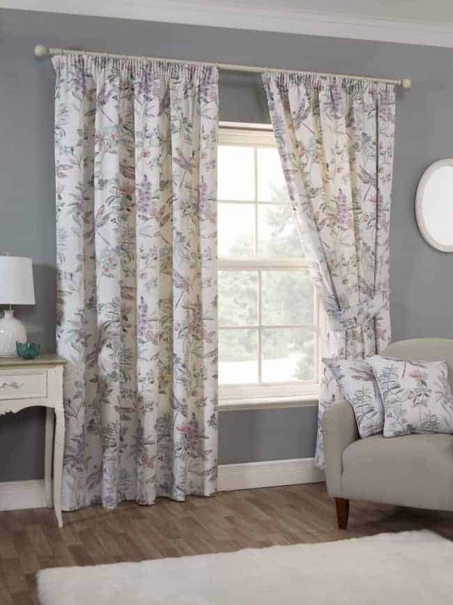 Ready-made curtains