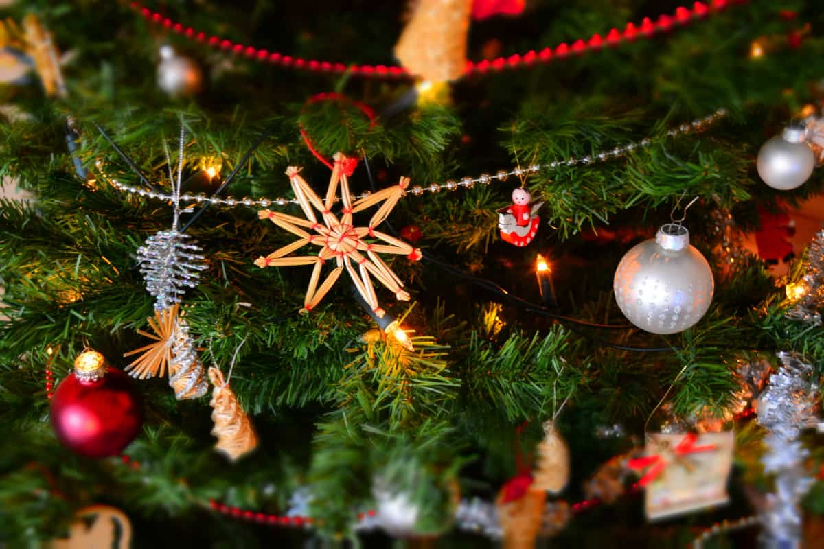 Clearing Christmas clutter