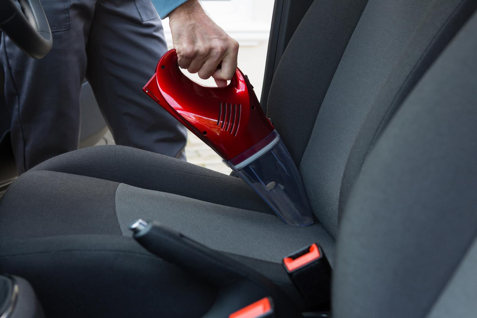 How To Keep Your Car Clean When You're Busy 1