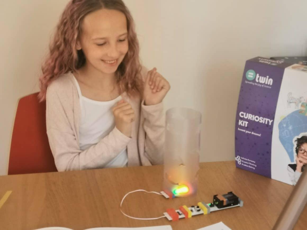 Twin Science Curiosity Kit