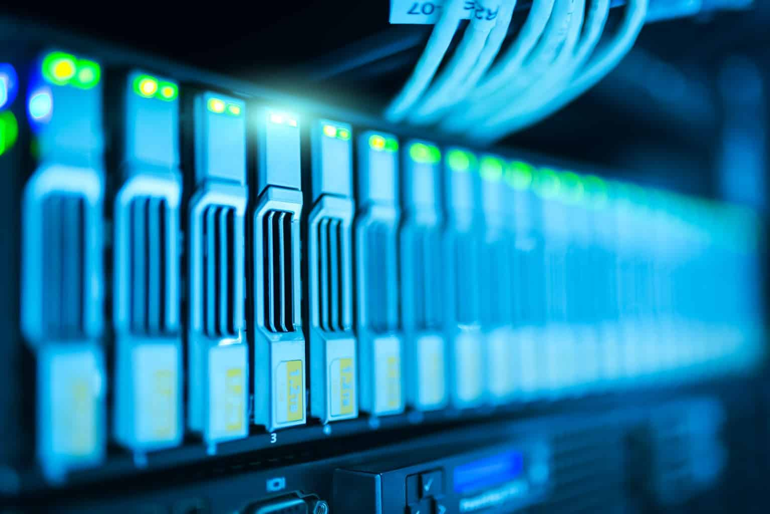 Differences between a Standard Database and Data Warehouse