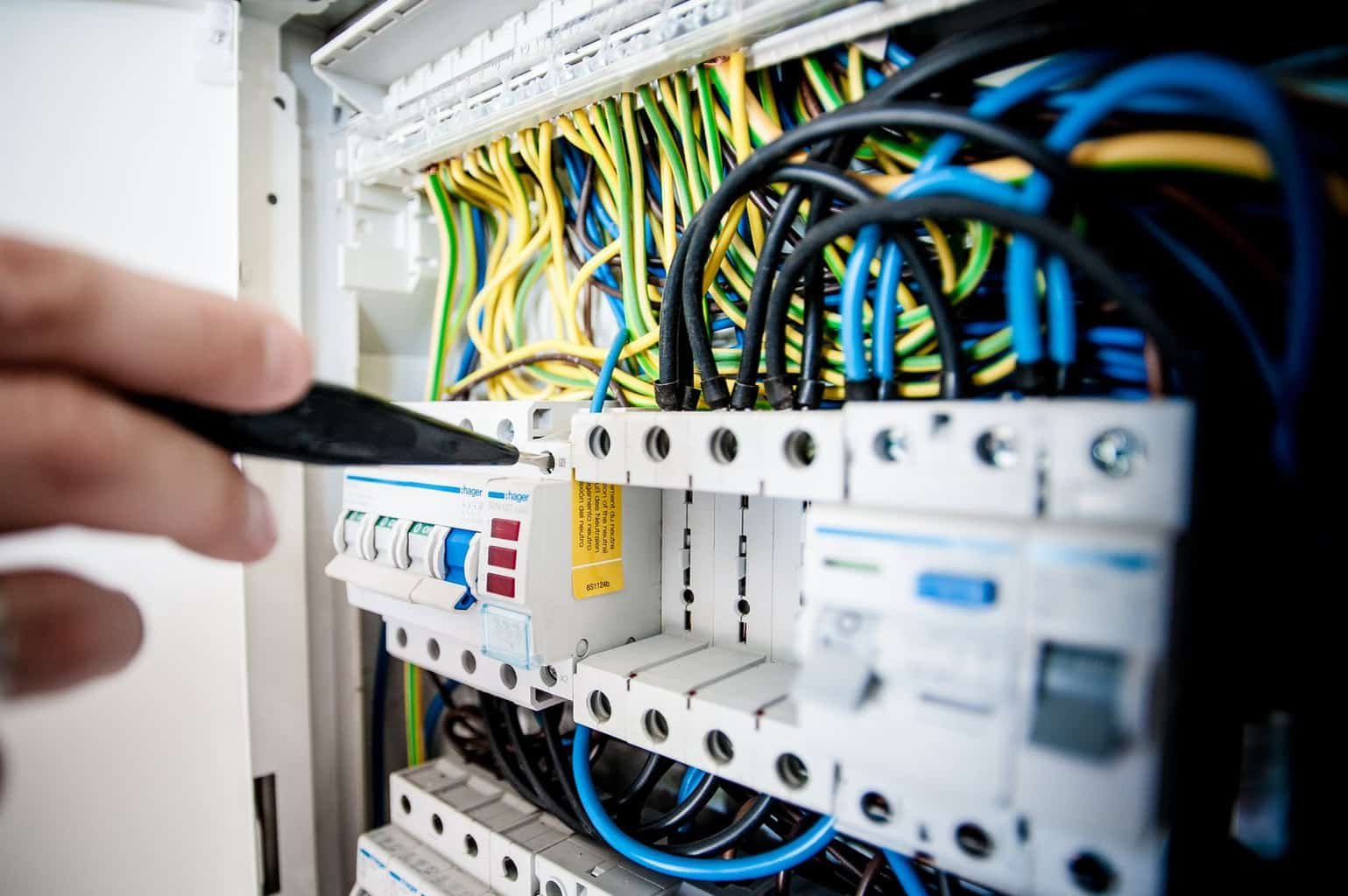 Hiring A Level 2 Electrical Contractor