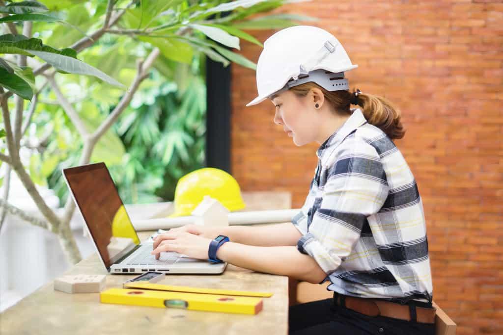 Construction technologist