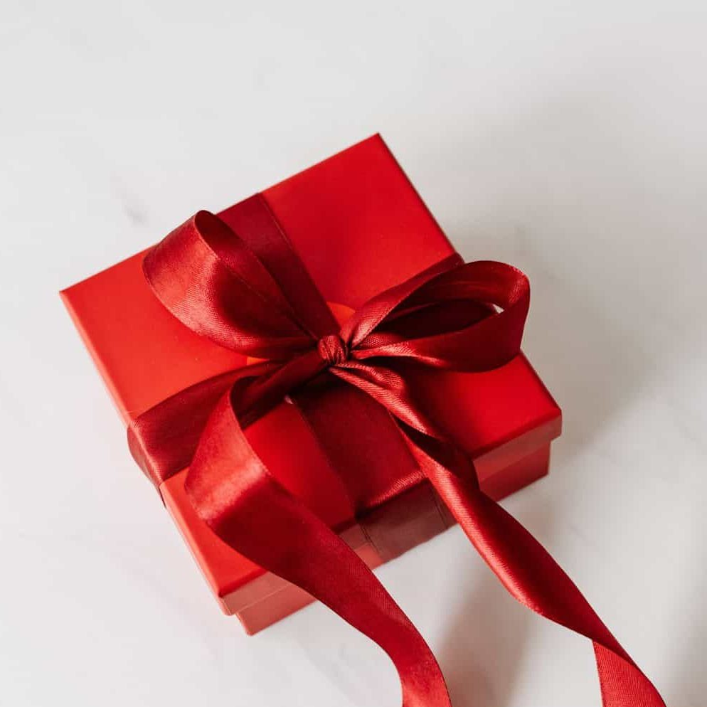 Top 5 Ideas To Give Perfect Corporate Gifts