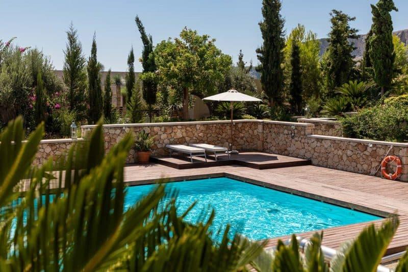 Top outdoor trends to spruce up your garden