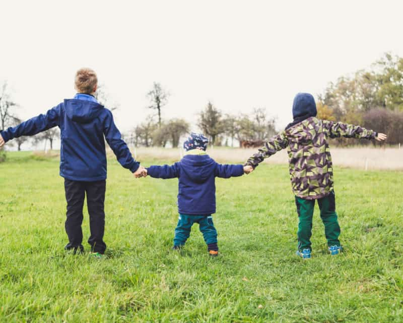 Tips for Mums to Get Their Kids to Play Outside