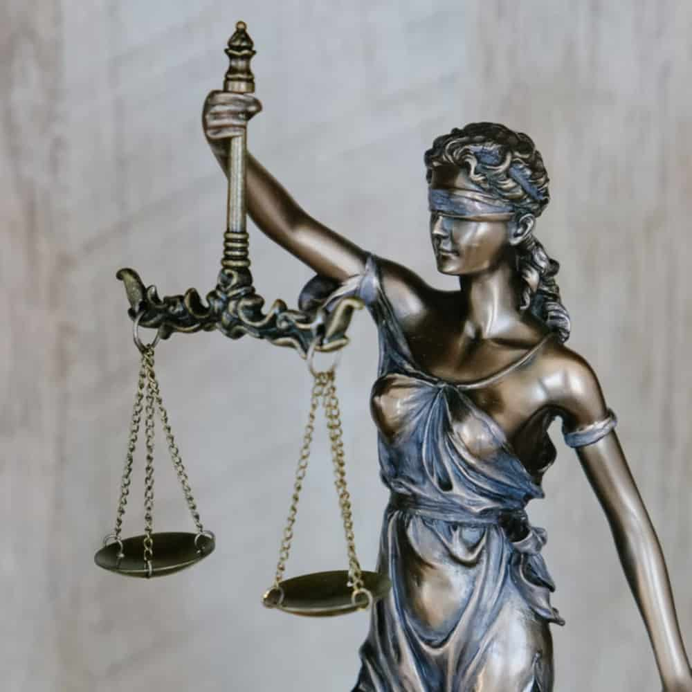 6 Main Benefits Of Having A Family Lawyer